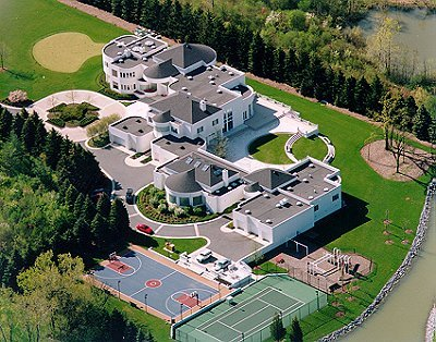 A Look At Some Celebrity Mansions Homes Of The Rich