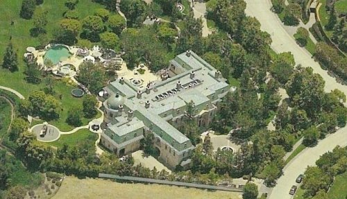 A Look At The Mansions In Beverly Park Homes Of The Rich