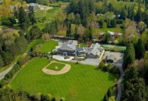 Washington Mansion full of Recreational Amenities