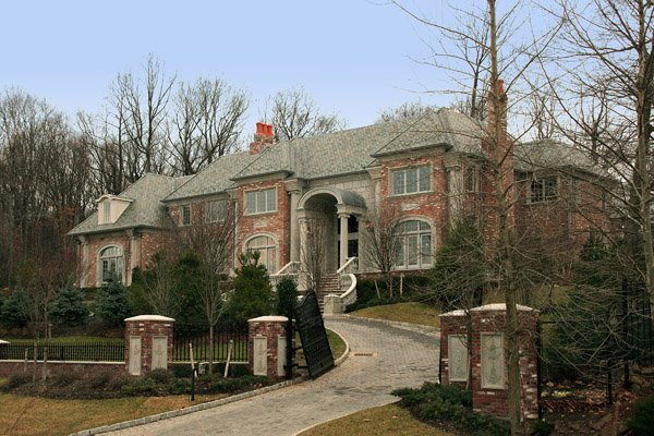 A look at some mansions homes of the rich for Nj house builders