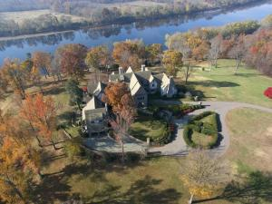 Lioncrest – An Old World Virginia Mansion