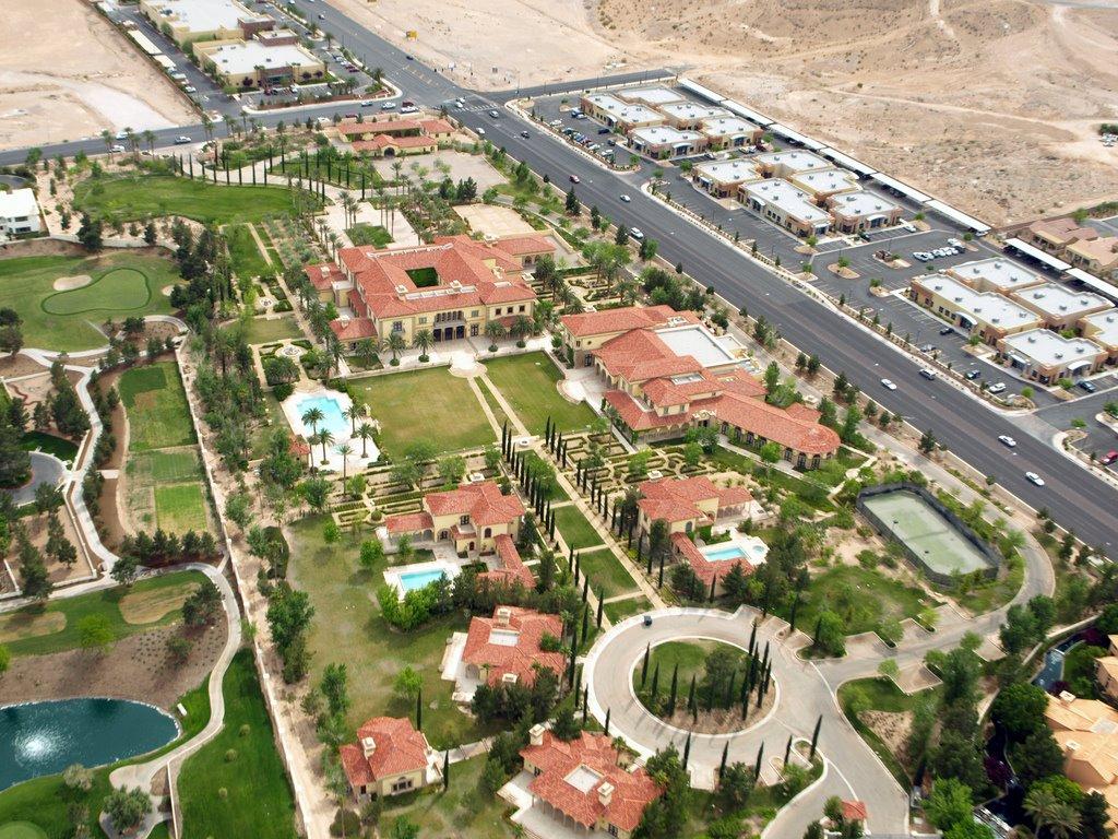 Aaron Spelling Mansion Floor Plan 【100億 200億 】 豪邸を晒すスレ:4仟坪 ログ速 2ちゃんねる Net