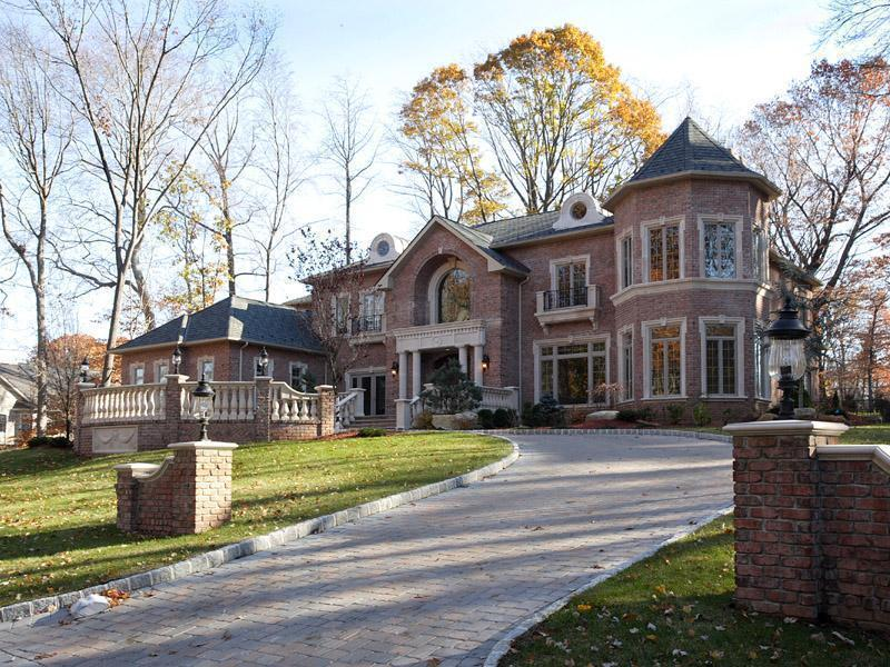 Newly built old tappan mansion homes of the rich for Homes of the rich