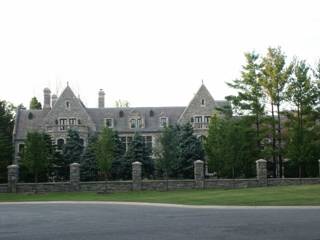 A look at some Canadian Mega Mansions Homes of the Rich