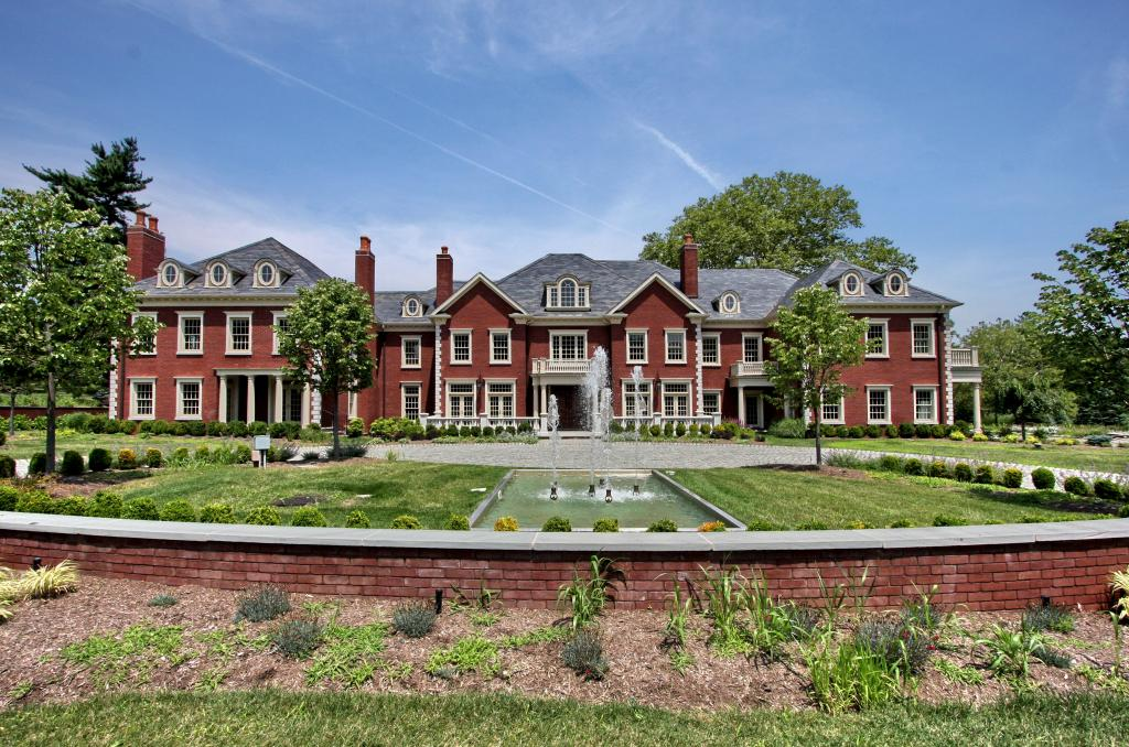 Exquisite bernardsville gated estate homes of the rich Home for the rich