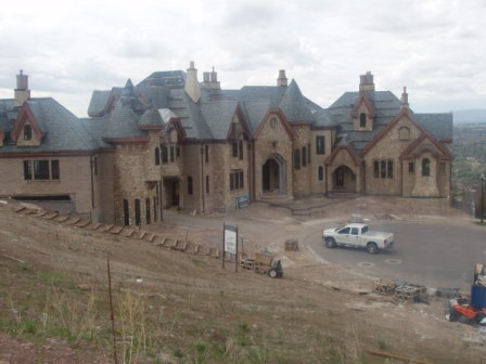 Two utah mega mansions homes of the rich for Super mega mansions