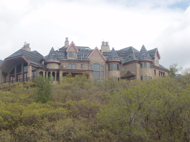 Two utah mega mansions homes of the rich for Homes of the rich
